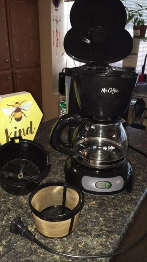 Mr Coffee 4 cup coffee maker for Sale in Rancho Cucamonga, CA