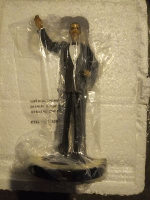 Barack obama bradford exchange collectible statue for Sale in Kent, WA
