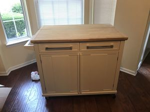Kitchen Island for Sale in Riverview, MI