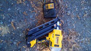 Nail gun - 20v - DeWalt for Sale in Gray Court, SC