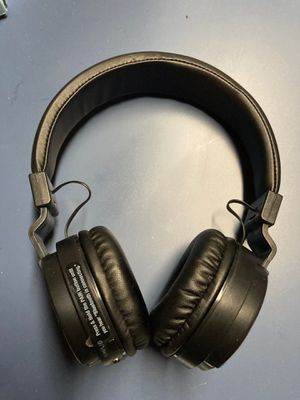 ILive Bluetooth wireless headphones for Sale in Rochester Hills, MI