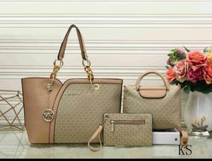 Great quality leather handbag 3pc set for Sale in St. Louis, MO