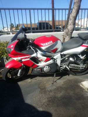 2000 Yamaha R6 for Sale in Los Angeles, CA