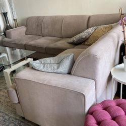 Couch With Pull Out Bed From Wayfair for Sale in Boston,  MA