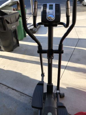 Gold's Gym Workout Elliptical Machine for Sale in Corona, CA