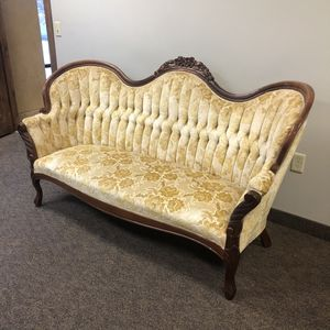 Beautiful Vintage Victorian style sofa/couch for Sale in Draper, UT