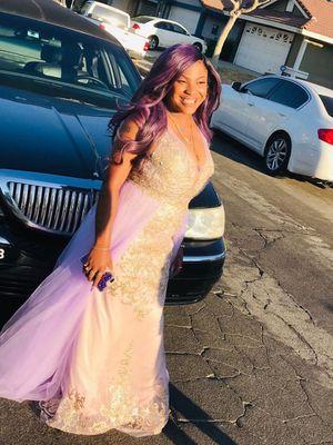 Prom dress 🥰. for Sale in Las Vegas, NV