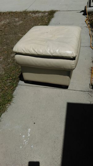 Tan leather ottoman for Sale in Orlando, FL