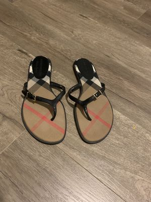 Burberry Meadow thong sandal size 8 for Sale in Alhambra, CA