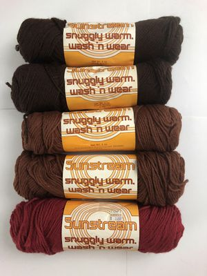 Lot of Sunstream snuggly warm wash and wear 100% acrylic four ply yarn for Sale in Puyallup, WA