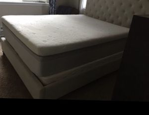 Queen Size Bed for Sale in Federal Way, WA