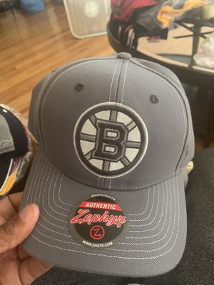 NHL NBA NFL HATS 🧢 for Sale in Southfield, MI
