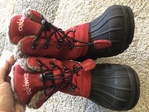 Snow boots kids size 3 for Sale in Maywood, NJ