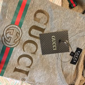 $50 L Gucci Shirt Longsleeve $50 for Sale in Raleigh, NC