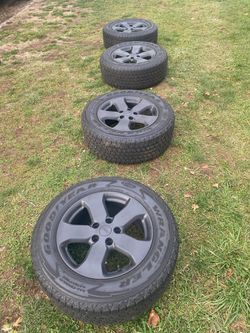 Jeep Grand Cherokee wheels!! for Sale in Hamden,  CT
