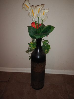 Garden Ridge Vase w/flowers for Sale in San Antonio, TX