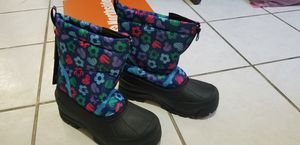 NEW girl / Women SNOW Boots size 5 for Sale in San Jose, CA