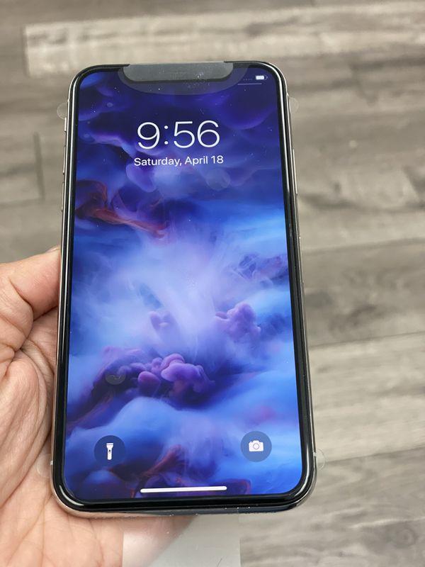 iPhone XS - 64GB < Factory Unlocked >>