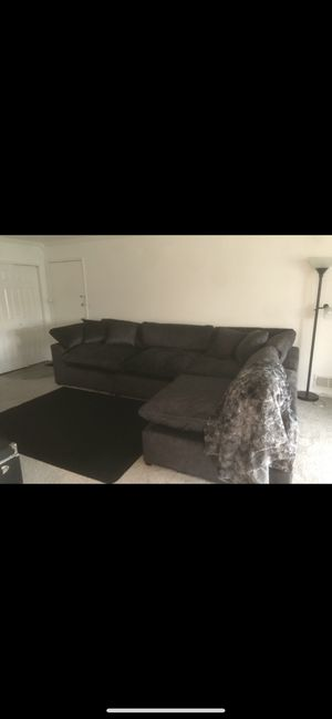 Plush Smoke 4 Piece Sectional in Great Condition for Sale in Point Pleasant Beach, NJ