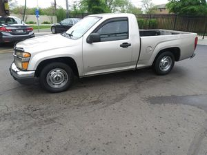 A beautiful Chevy Colorado with a 2.8 l 120 k private owned 5 speed manual ice cold AC synonym brand new tires VIN number available in pictures for Sale in Addison, IL