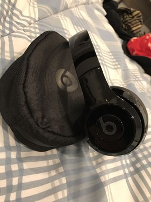 Beats by Dr. Dre Solo 3 Wireless Headphones For Sale Excellent Condition for Sale in Gardena, CA