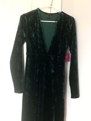 Emerald Green velvet dress for Sale in Diamond Bar, CA