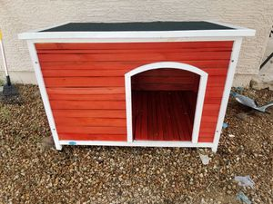 Outdoor wood dog house x-large for Sale in Avondale, AZ