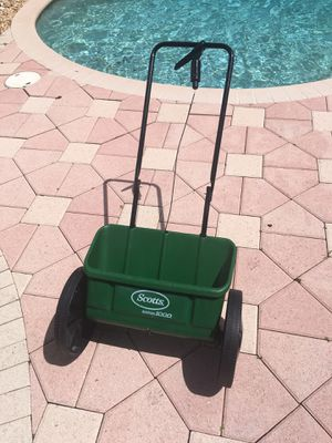 Scotts Accugreen 1000 drop spreader. Coral Springs for Sale in Coral Springs, FL