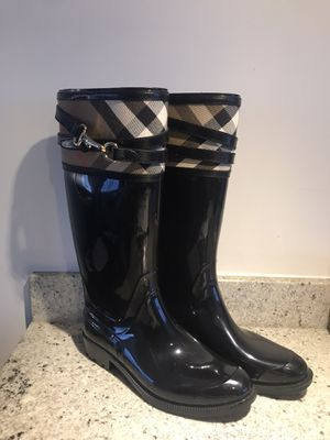Burberry Boots size 8 for Sale in Roanoke, TX