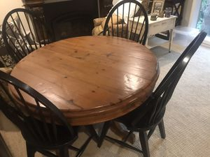 Beautiful 4' round pedestal table + 4 chairs for Sale in Portland, OR