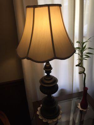 32 POUND ; BRASS VINTAGE ANTIQUE TABLE LAMP for Sale in Monroe, LA