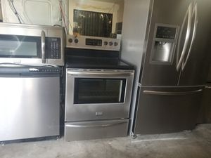 Frigidaire stainless steel appliances for Sale in Kissimmee, FL
