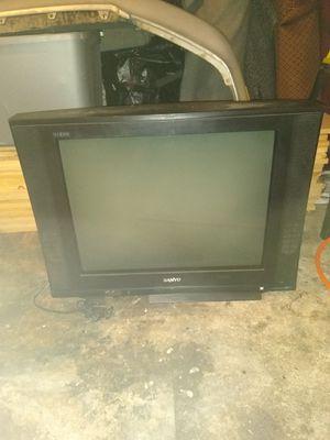 32 inch TV for Sale in Fresno, CA