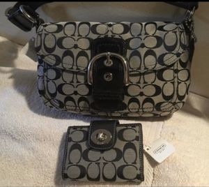 OBO *BRAND NEW***- AUTHENTIC COACH PURSE AND WALLET -SOHO Black & Grey COACH Signature Shoulder Purse w/ Buckle Flap Closure & Matching Wallet for Sale in Glendale, AZ