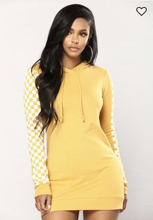 Fashion Nova Yellow Checkered Hoodie for Sale in Oakland, CA