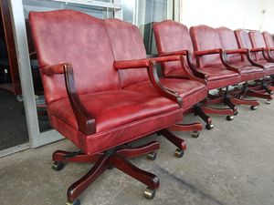 $100 Used office conference room chairs for Sale in Houston, TX