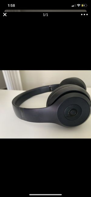Beats Wireless headphones for $160 for Sale in Kent, WA