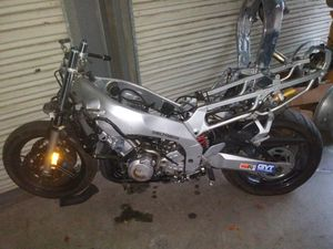 1999 yzf 600 parts blown motor complete bike for Sale in Clearwater, FL