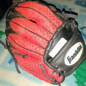Franklin RTP 223 for 6-8 left-handed t-ball MIT for Sale in Las Vegas, NV