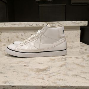 Nike High Top Men's Size 10.5 for Sale in Marysville, WA
