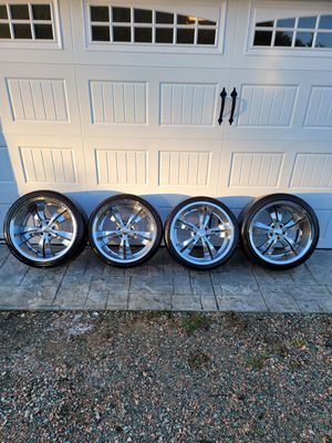 20 inch Chrome Wheels for Sale in Powhatan, VA