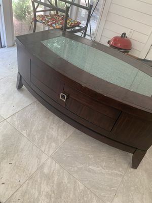 Coffee table for Sale in Charlotte, NC