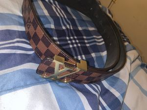 LV belt for Sale in Woodlawn, MD