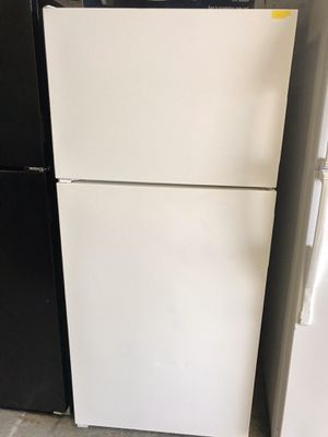 REFRIGERATOR for Sale in Miami, FL