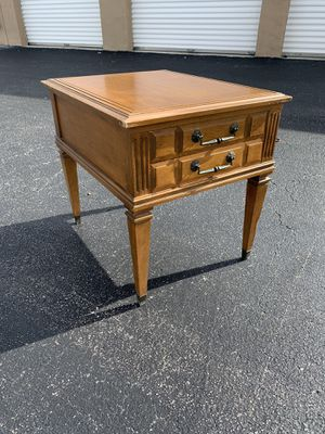 Mid century modern vintage single drawer end side table! Great style to refurbish. In good condition. All drawers slide great. Dimensions: 25x20x22 for Sale in West Palm Beach, FL