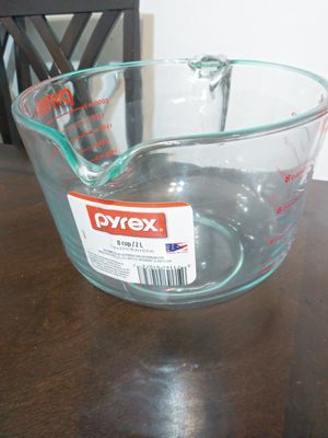 Pyrex 8 cup -2 qt glass measurning cup for Sale in Mesquite, TX