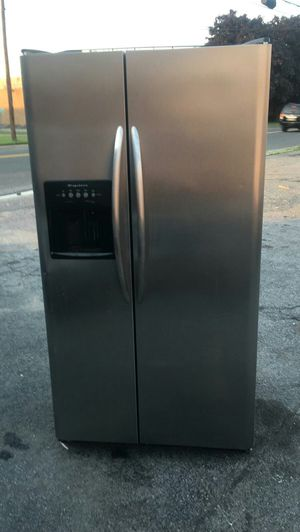 Frigidaire Stainless Side by Side Refrigerator for Sale in Brooklyn, NY