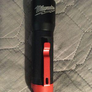 Milwaukee flashlight 325 lumenss for Sale in Orange, CA