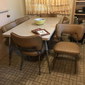 Mid Century modern kitchen table with six chairs for Sale in Richmond, CA