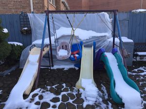 Swing set $120 in good condition for Sale in Chicago, IL